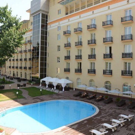 Lotte City Hotel Tashkent Pool Area