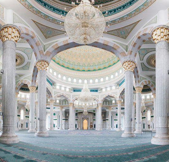 Hazrat Sultan Mosque Inside