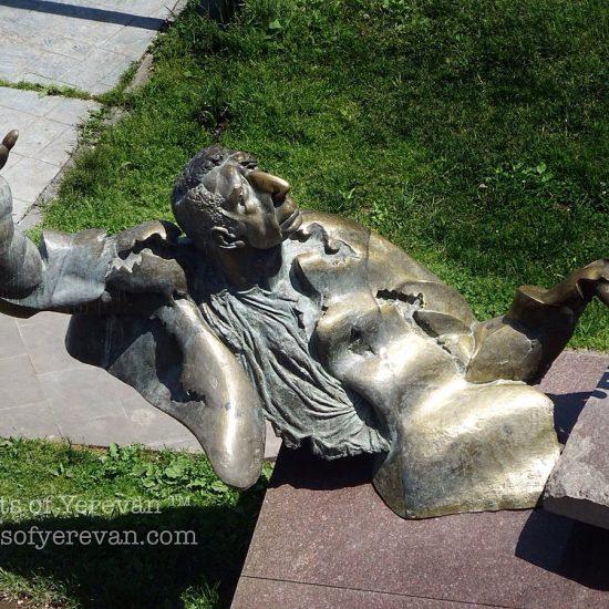 Arno Babajanyan Statue