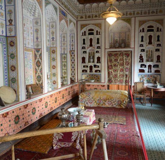 Fayzulla Khujayev House Decor