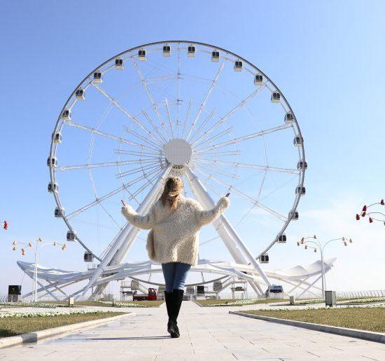 Baku Ferris Wheel Side View