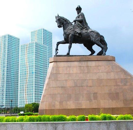 Monument to Khan Kenesary