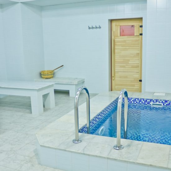 Arasan Spa Poolside