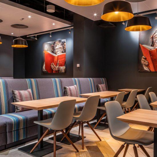 Bar Sitting - Hotel Aloft Kiev
