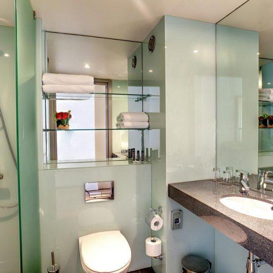 Bathroom - Hotel Ramada Kiev