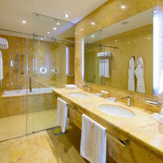 Club Ambassador Suite Bathroom